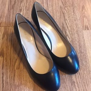 Navy Nine West dress shoe 8.5 leather upper heel